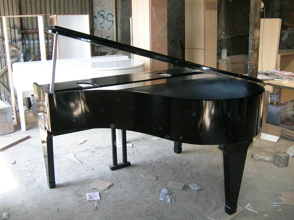 Meja Piano
